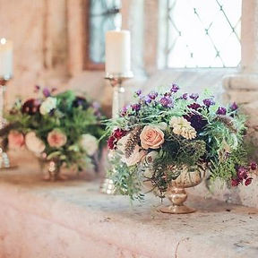 gold_footed_bowl_wedding_centrepieces.jp