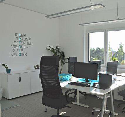 Büro2Q.jpg