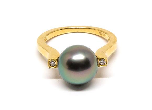 R21 One Diamond Shank Black Pearl Ring