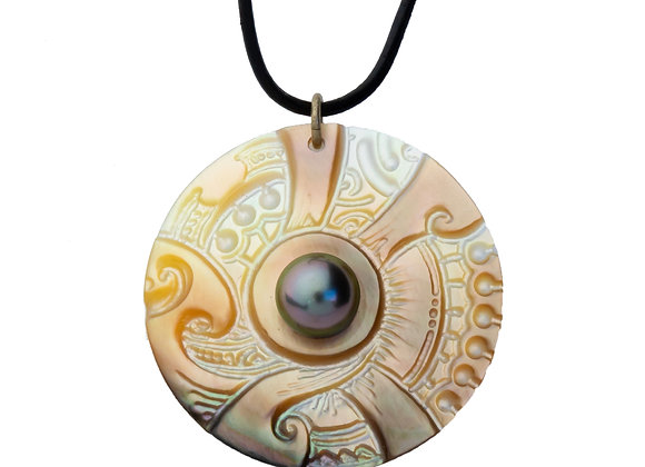 P46 Mother of Pearl Black Pearl Pendant
