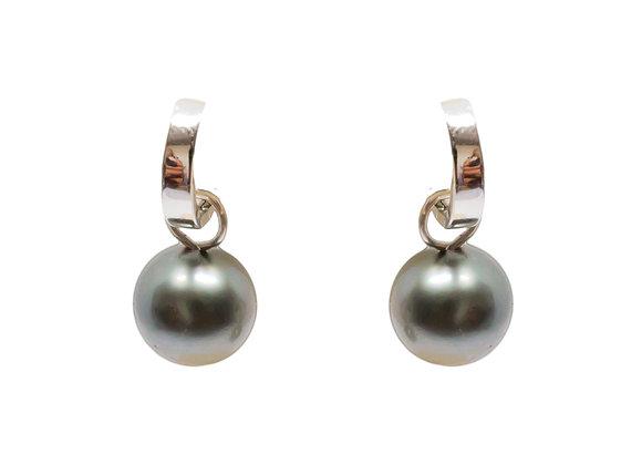 E34 Sleepers Black Pearl Earrings