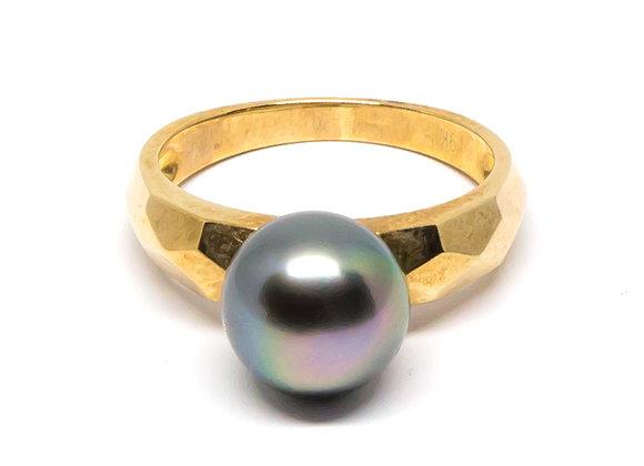 R16 Diamond Cut Band Black Pearl Ring