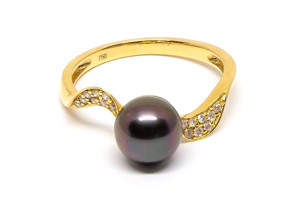 R25 Ribbon Shank Diamond Black Pearl Ring