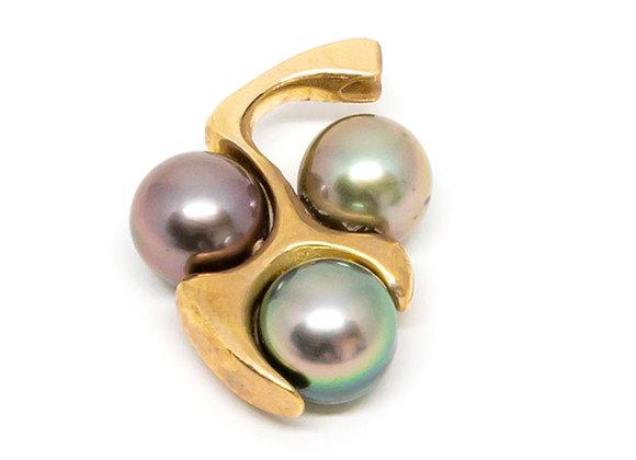 P39 Tri Cluster Black Pearl Pendant