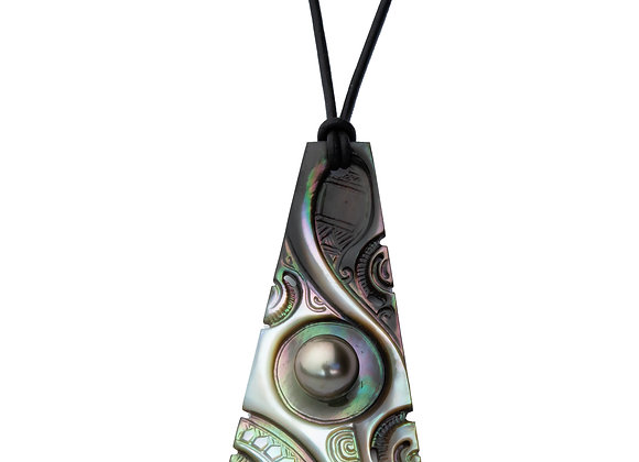 P49 Mother of Pearl Black Pearl Pendant