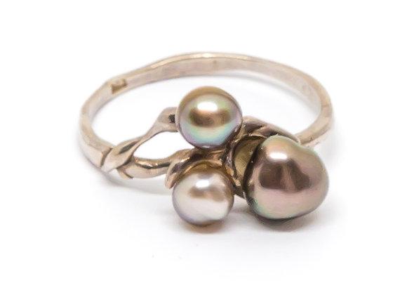 R31 Tri Keshi Black Pearl Ring