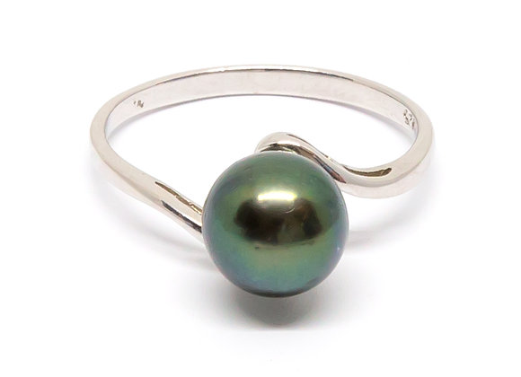 R28 Simple Band Black Pearl Ring