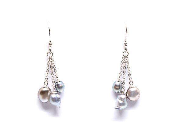 E17 Triple Pearl Drop Black Pearl Earrings