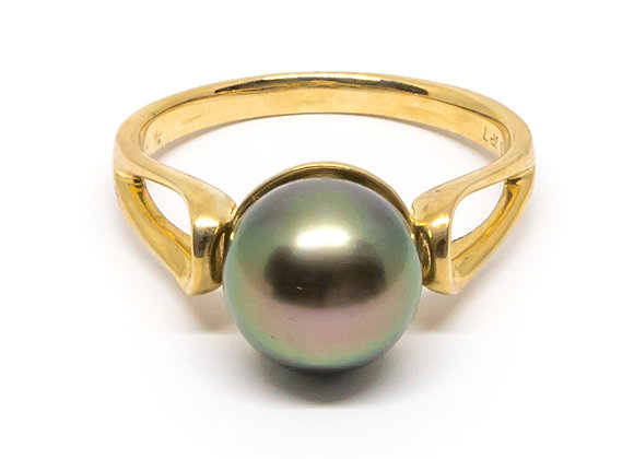 R42 Open Band Black Pearl Ring