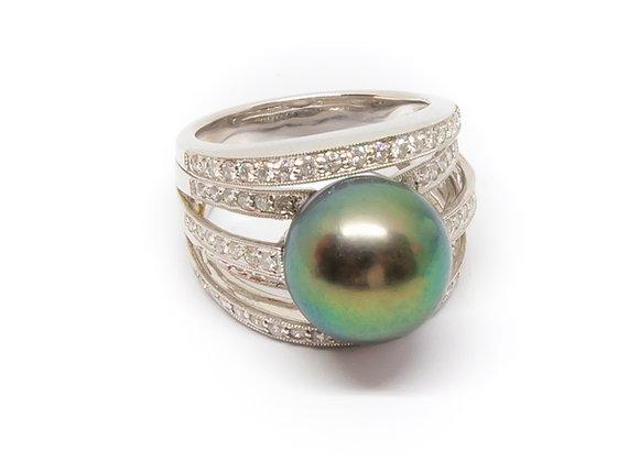 R47 5 Band Diamond Black Pearl Ring