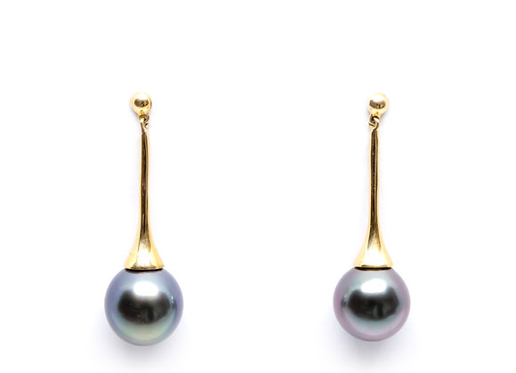 E9 Inverted Flute Black Pearl Earrings