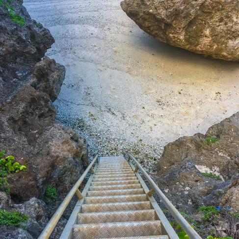 Visit Ara'oa Beach
