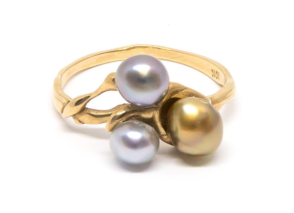 R8 Tri Keshi Black Pearl Ring