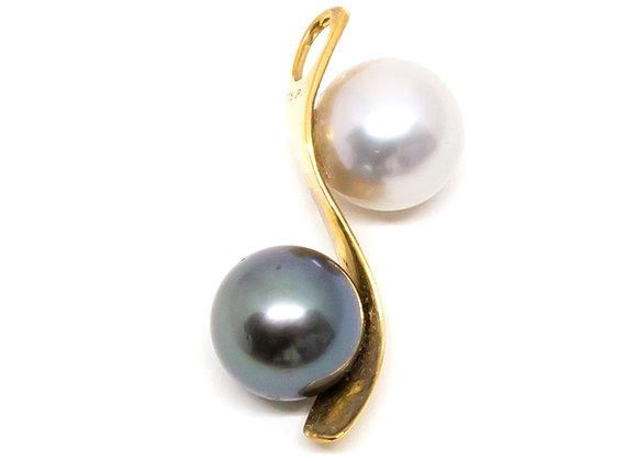 P29 Me/You Wave Black Pearl Pendant