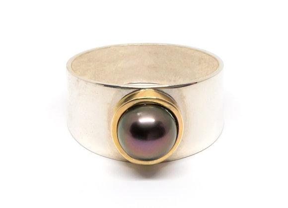R9 Two Tone Bezel Black Pearl Ring