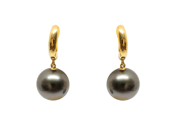 E36 Bar Stud Black Pearl Earrings