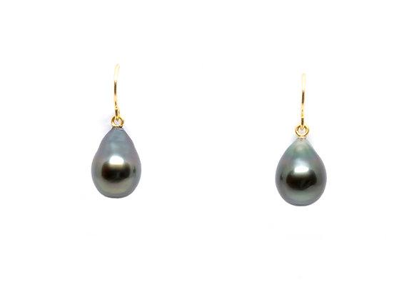 E25 Shepards Hooks Black Pearl Earrings