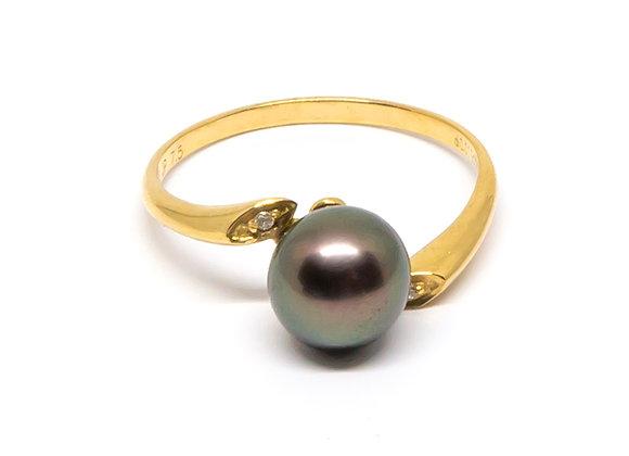 R24 Flat Shank Diamond Black Pearl Ring