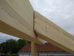 Glulam beams connection
