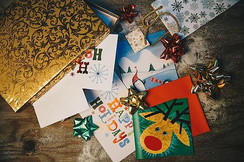 flatlay-christmas-gifts-holidays.jpg