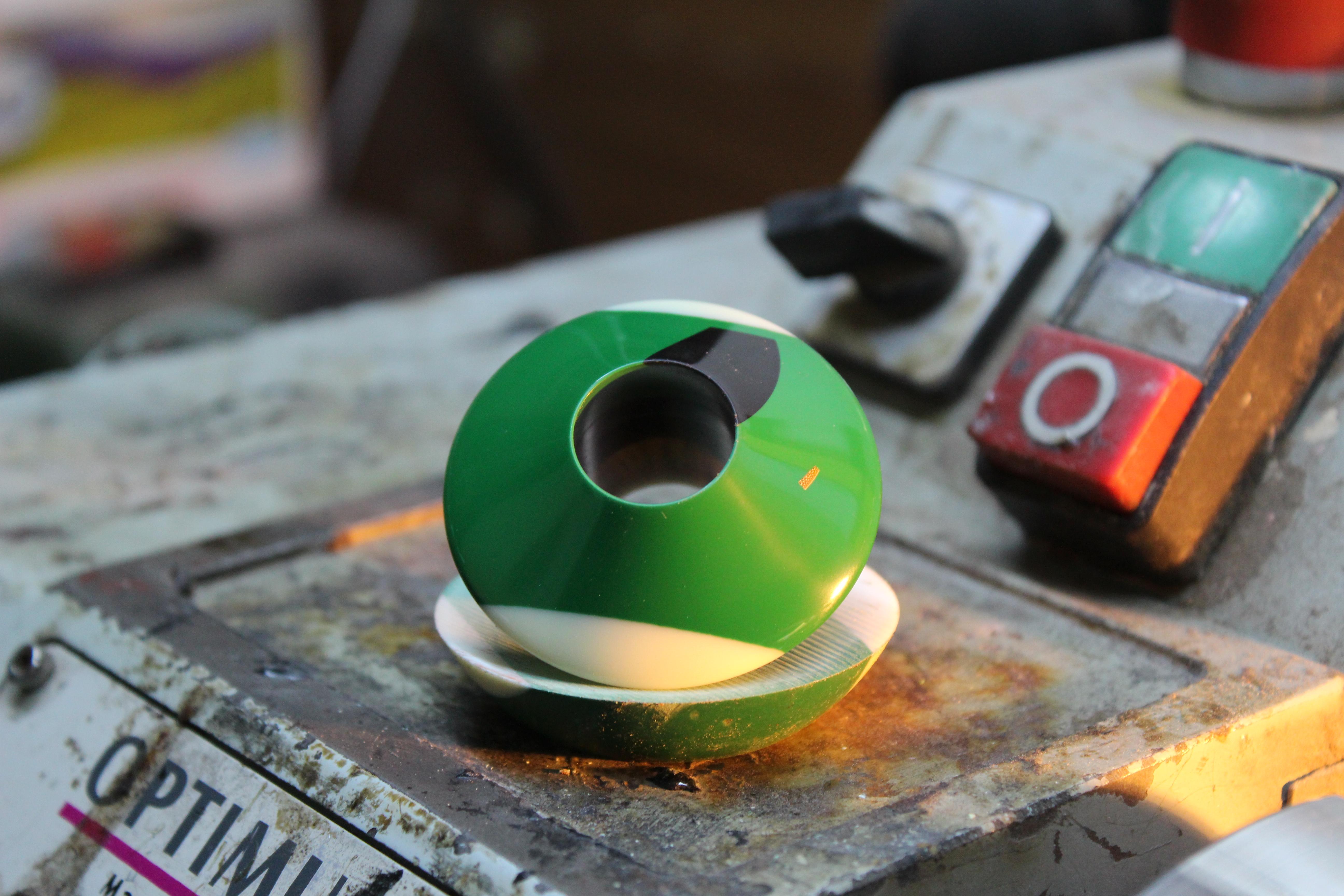 yeşil bilardo topu başpare