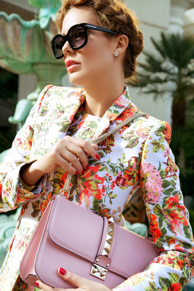 Tom Ford Shades & Valentino Handbag