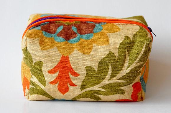 Bolsas de cosméticos en lonas estampadas 100% algodón.