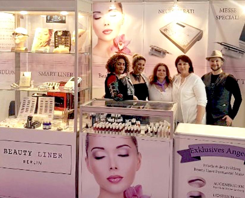 Permanent Make Up Expertin aus Dortmund, Rita Dib, auf der Messe in Düsseldorf mit Ihrem Beauty Line