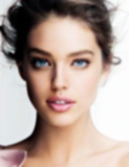 Wunderschöne Permanent Make Up Konturen-Behandlung der Augenbrauen, Lidstriche und Lippen