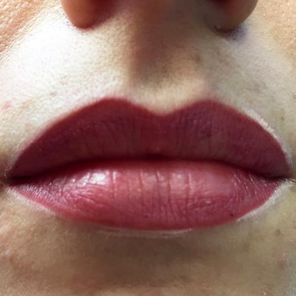 Permanent Make-Up Lippen München - Behandlung - Lippen volle - pigmentieren - Pigmentiererin - Bartz