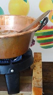 bassine de cuivre utilisée quotidiennement