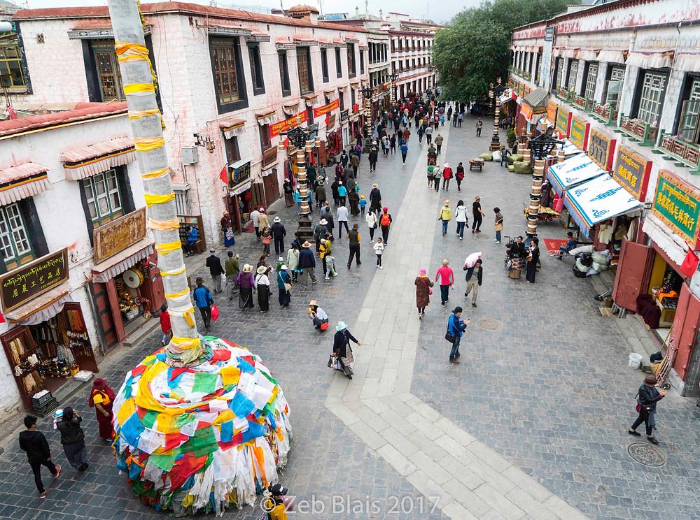 The corridors surrounding Jokhang Temple.