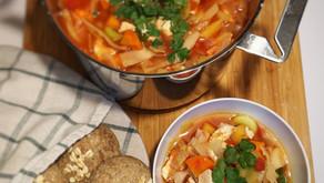Grønnsakssuppe med kylling og kål
