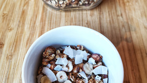 Granola med kokos og hasselnøtter
