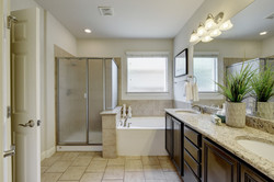 12425 Dorsett - Master Bathroom
