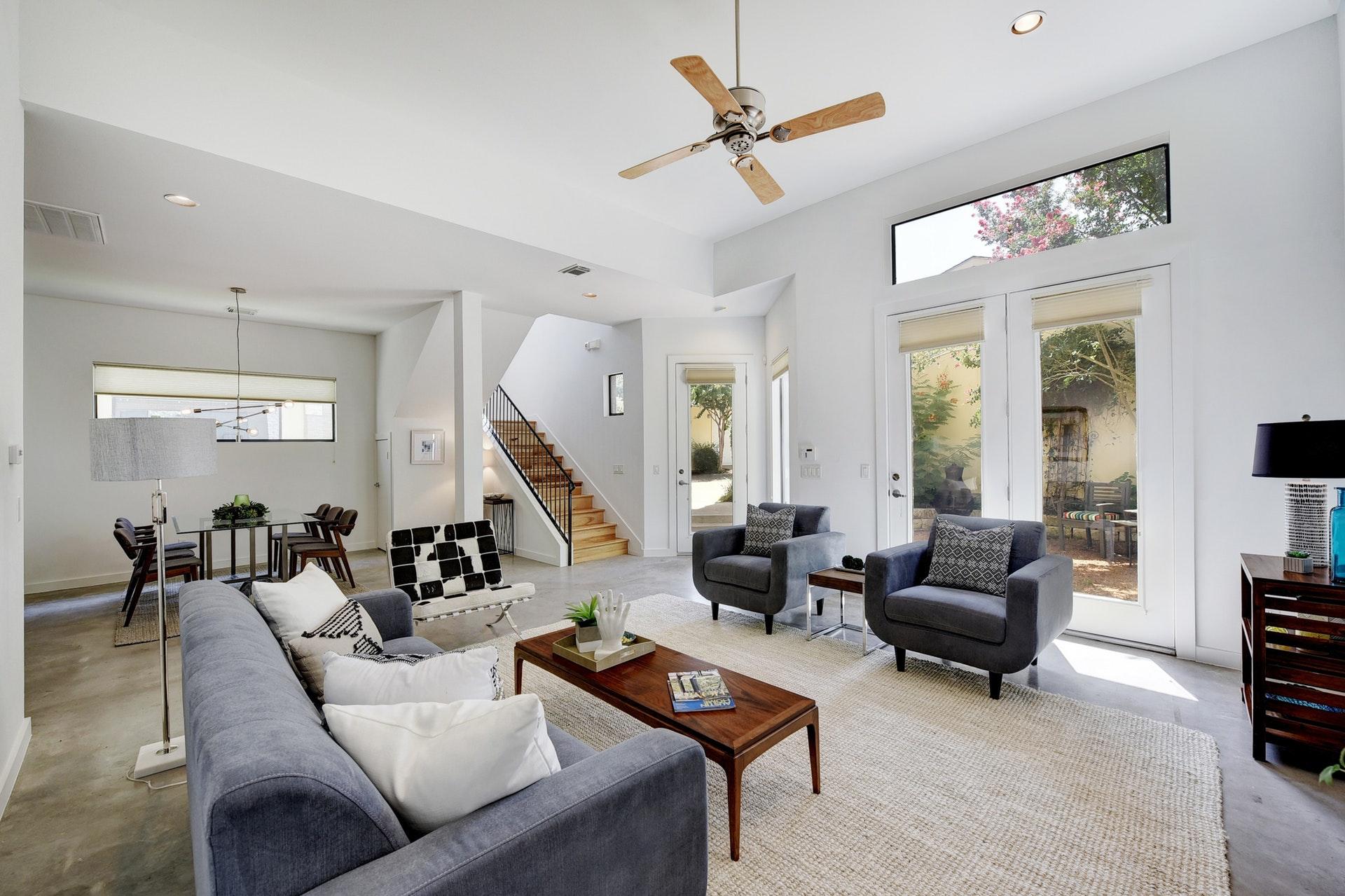 2618 Jefferson B - Living Room 2