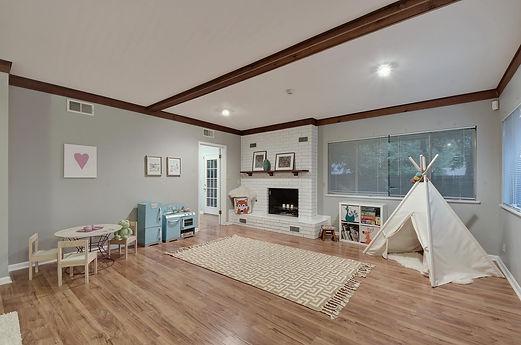 2509 East Side Dr | Real Estate | Austin Home Girls Realty