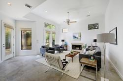 2618 Jefferson B - Living Room 3