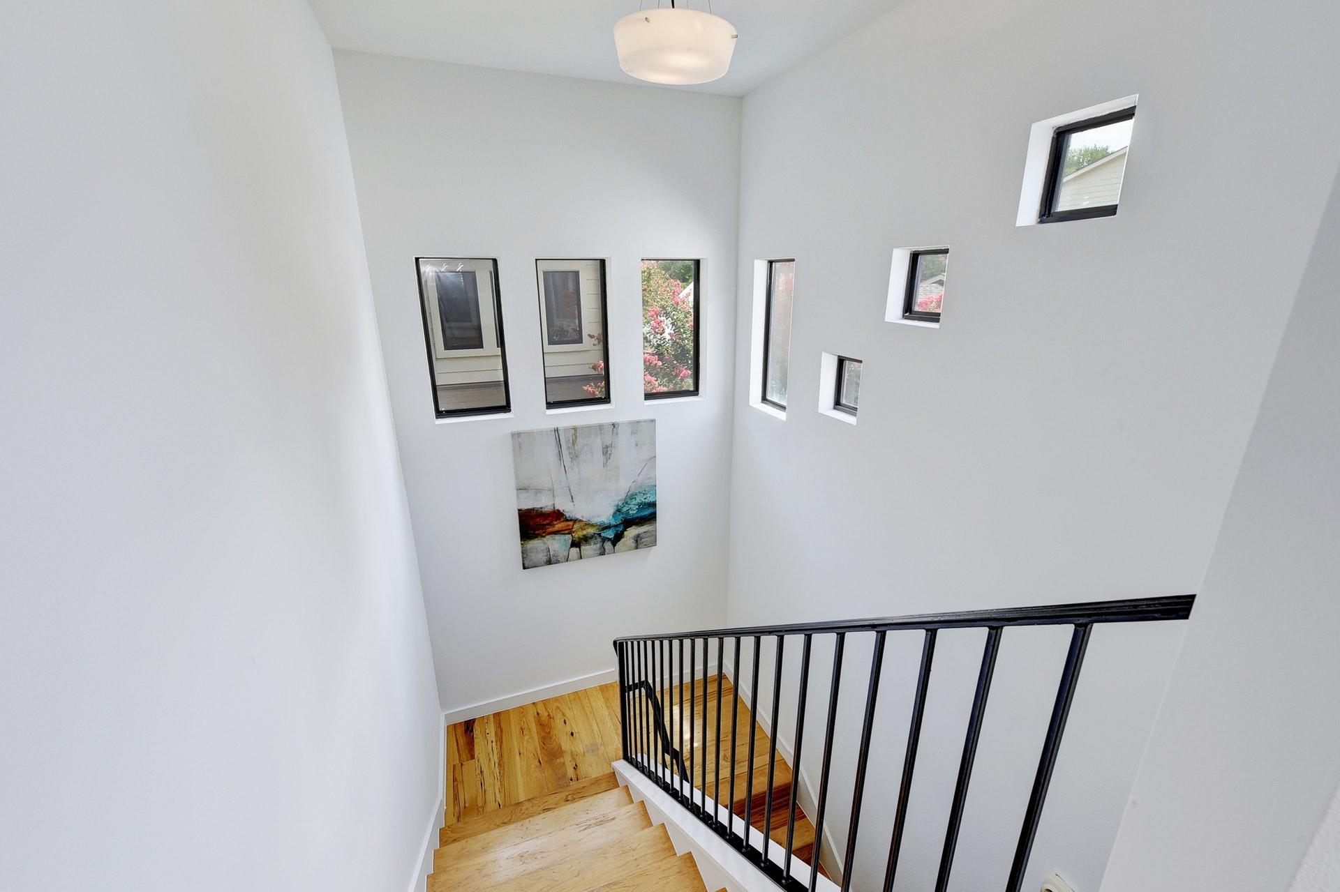 2618 Jefferson B - Stairs 2