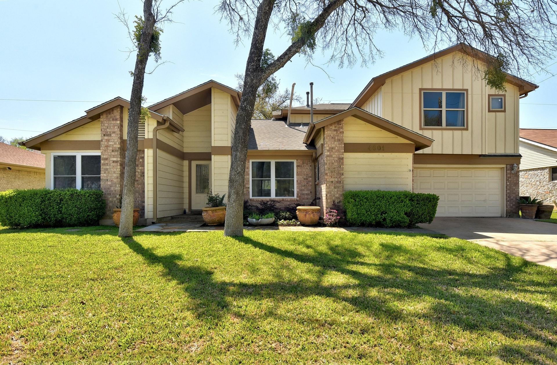 4601 Oak Creek Drive - Front
