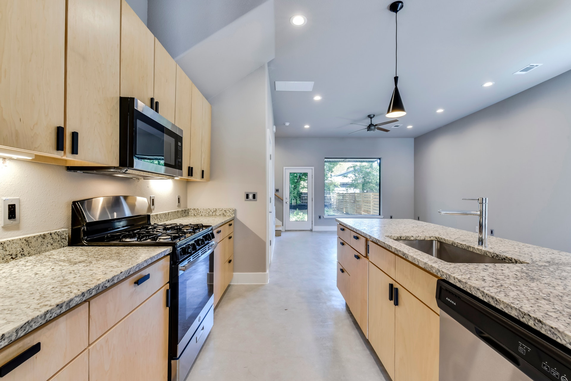 2900 Gonzales Street - Kitchen