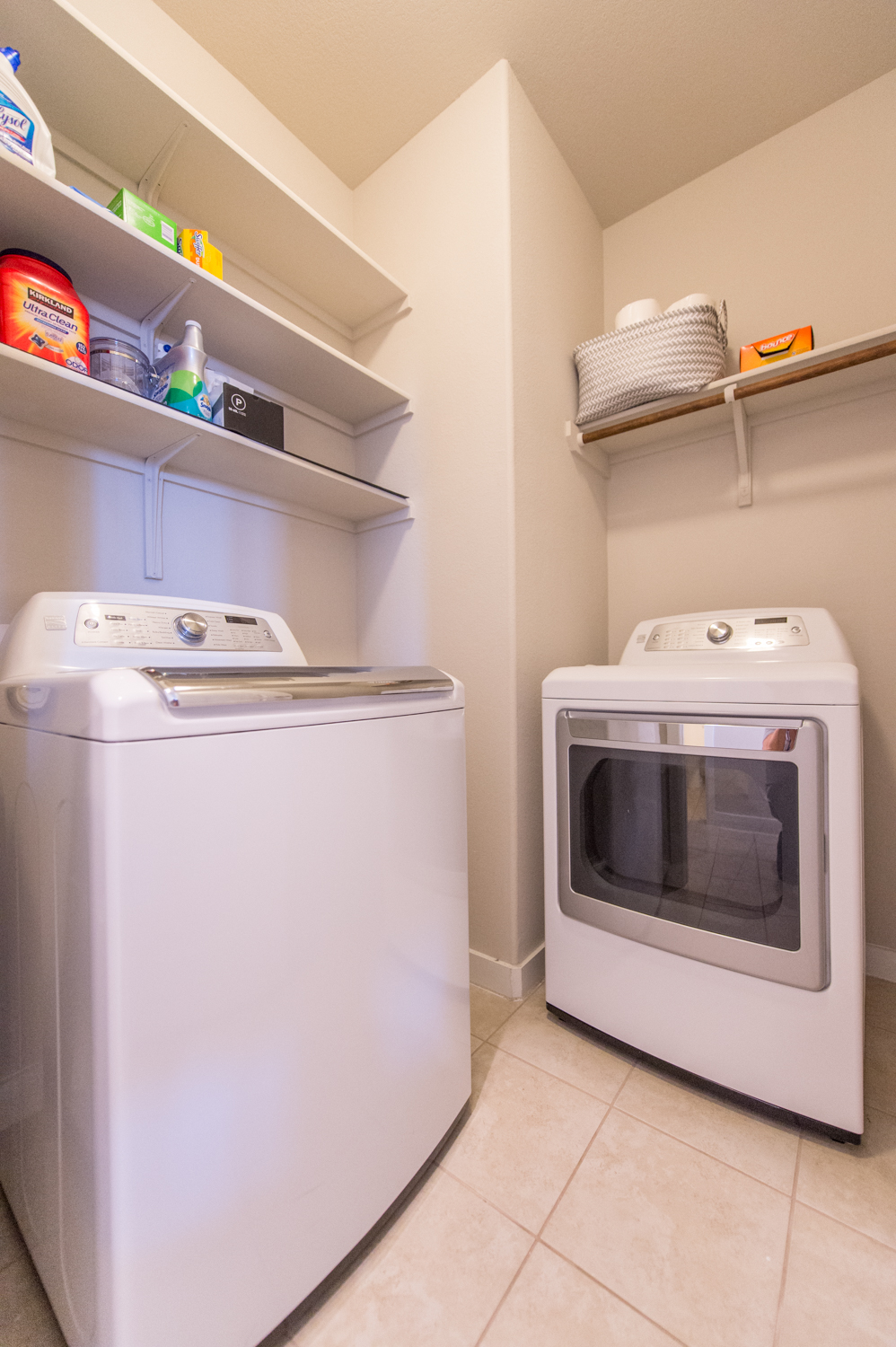 5313 Gooding - Laundry Room