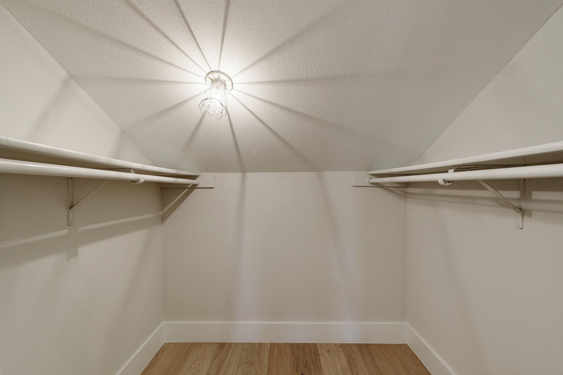 1500 Woodlawn - Closet
