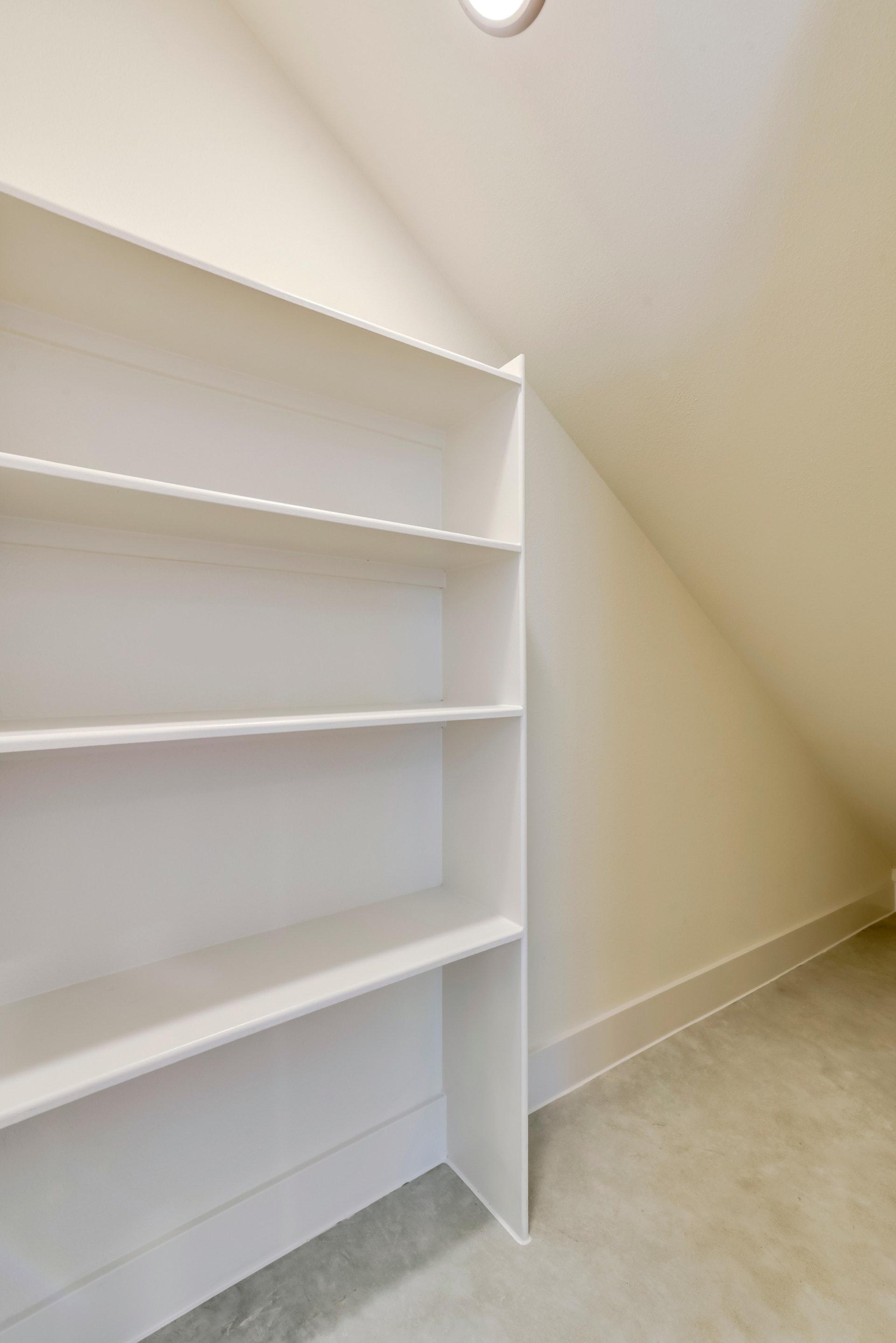 2900 Gonzales Street - Storage