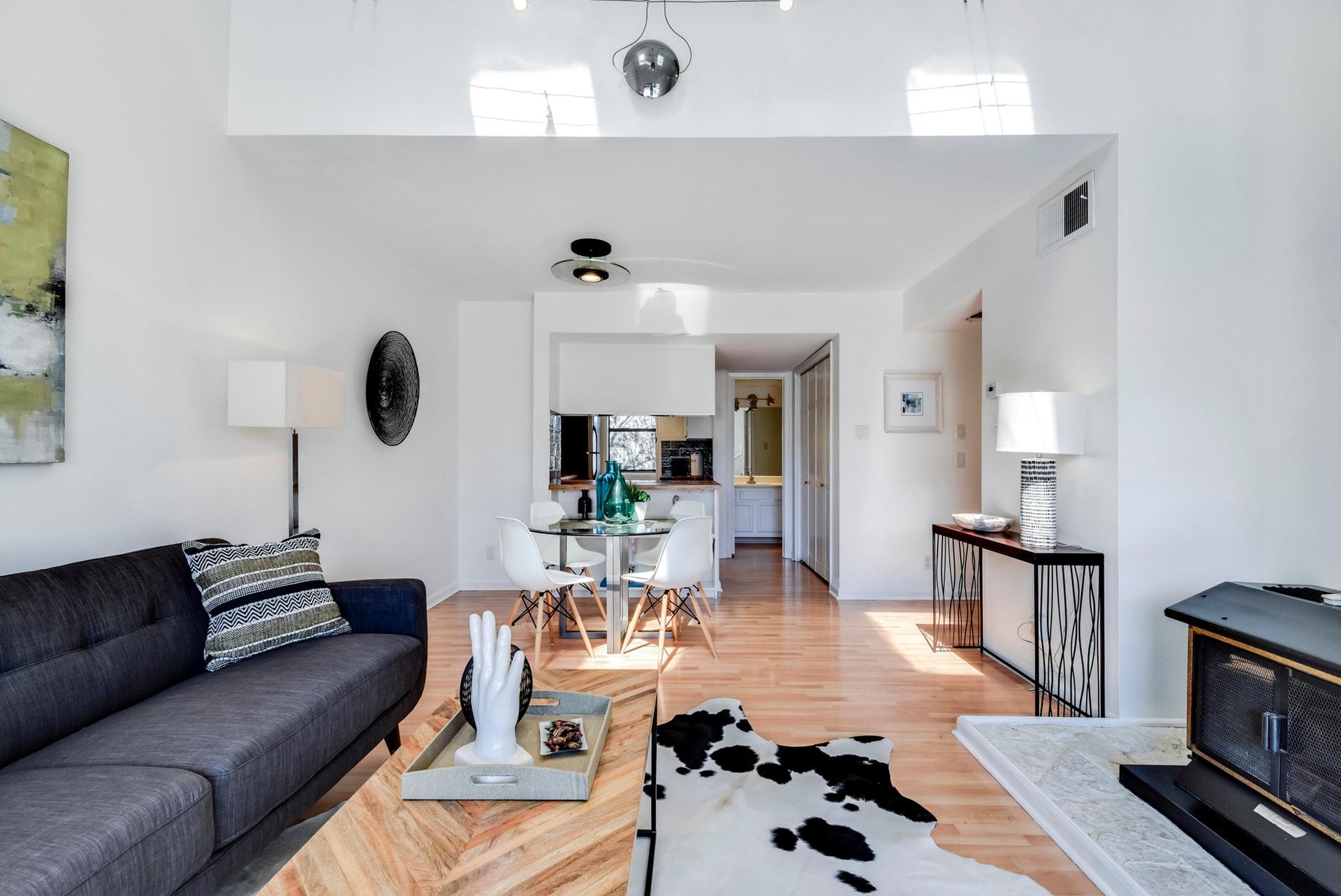 1135 Barton Hills - Kitchen / Living