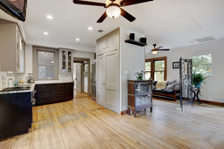 604 Mary - Open Living