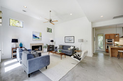 2618 Jefferson B - Living & Kitchen