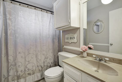 2300 Lear Lane - Bathroom 2