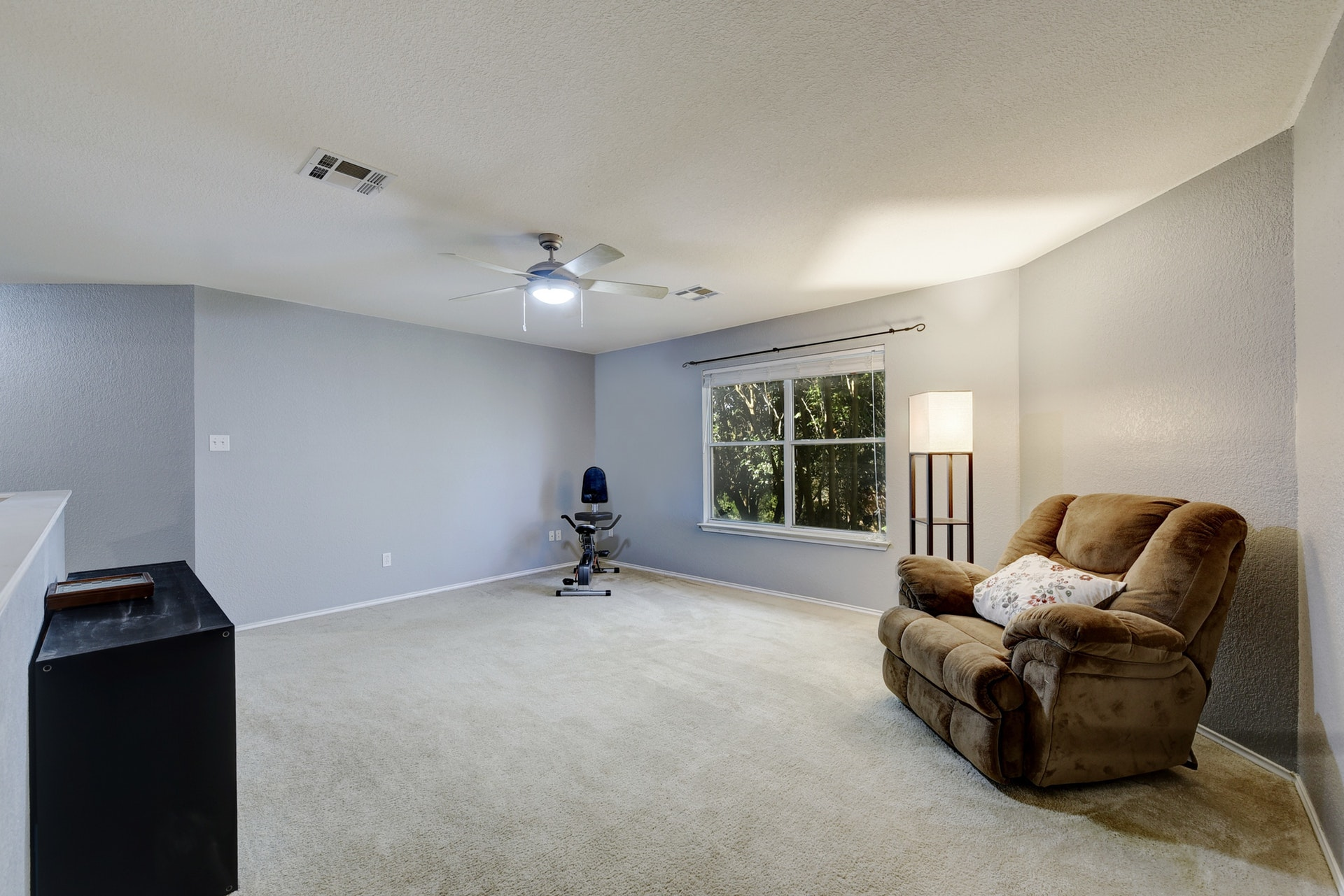 12308 Kelton | Upstairs Living Room