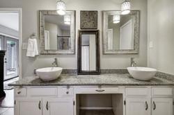 2300 Lear Lane - Master Bathroom
